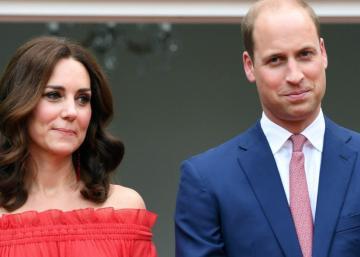 La princesse Charlotte fait tourner les têtes sur le tapis rouge!