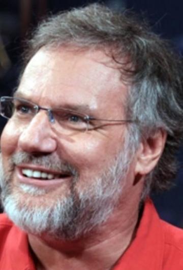 Un populaire comédien québécois se fait démolir par une journaliste
