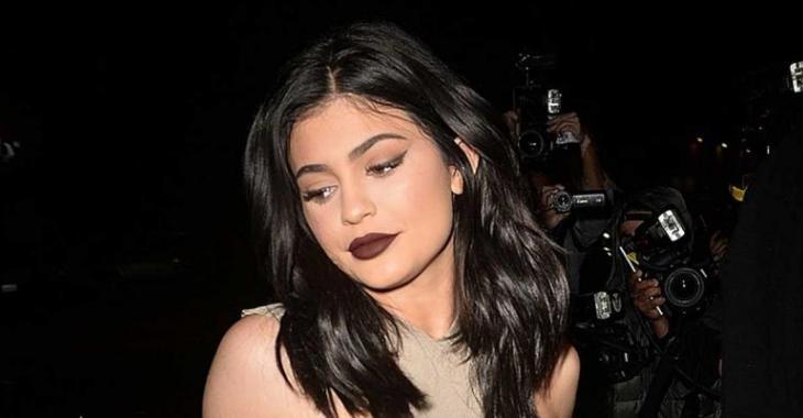 La robe très osée de la soeur de Kim Kardashian enflamme le web!