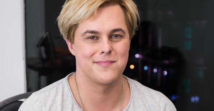 Alex Perron a une nouvelle coupe de cheveux... Et ce n'est pas très beau