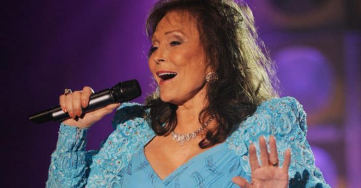 Une célèbre chanteuse victime d'un AVC, le monde artistique retient son souffle