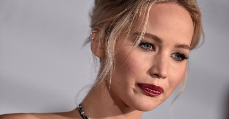 Jennifer Lawrence méconnaissable sur l'affiche de son nouveau film