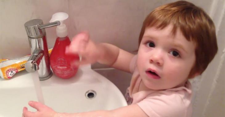 La fille de cette humoriste québécoise devient virale avec une vidéo absolument adorable!