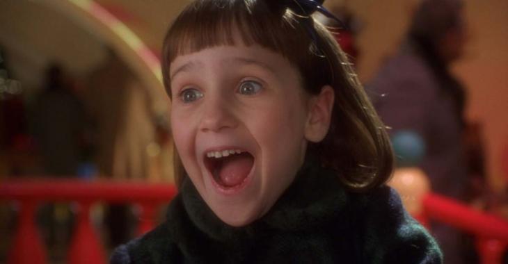 """Voici à quoi ressemble la petite fille de """"Miracle sur la 34e""""... 22 ans plus tard!"""