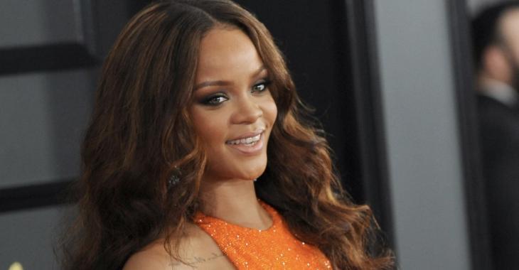 Rihanna photographiée en plein ébats avec un célèbre millionnaire...