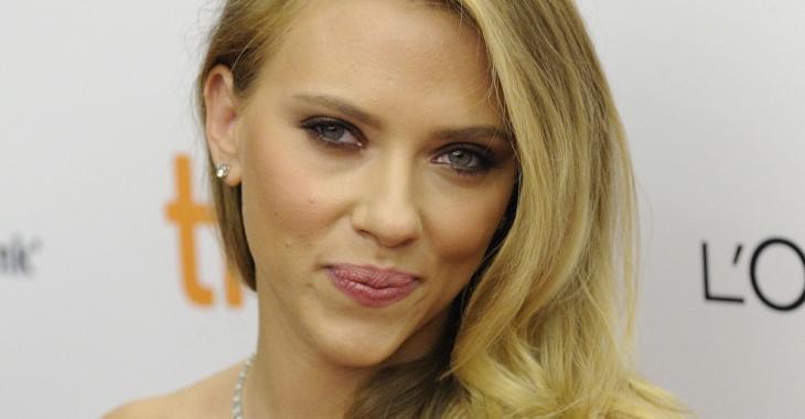 Scarlett Johansson serait en couple avec un célèbre acteur d'Hollywood!