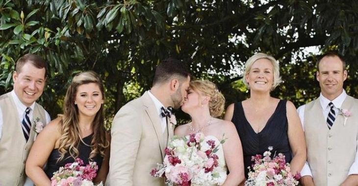 Relativ Leur photo de mariage fait le tour de la planète pour une drôle  JG27