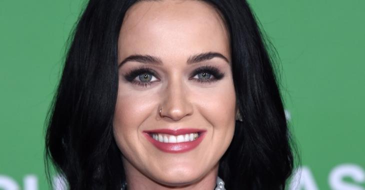 Katy Perry se métamorphose... Son nouveau look fait fureur!