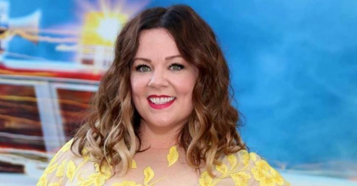 La robe et le conjoint de Melissa McCarthy volent la vedette sur le tapis rouge de Ghostbusters