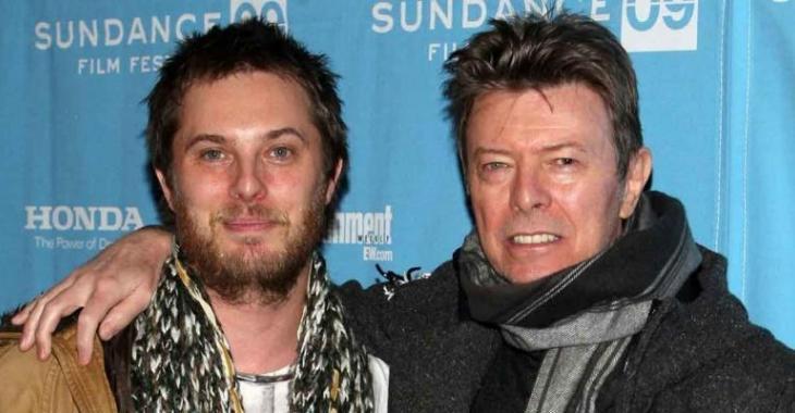 Le bouleversant dernier cadeau de Noël du fils de David Bowie à son père...