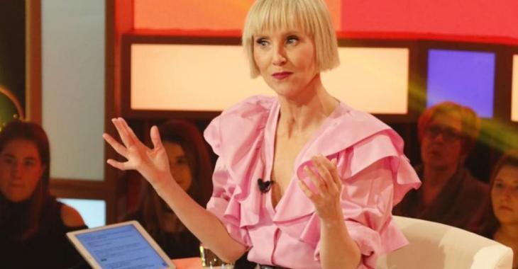 Pénélope McQuade reçoit des insultes en pleine émission...