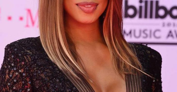[PHOTOS] Cette actrice transgenre et sa robe ont volé la vedette sur le tapis rouge des Billboard Music Awards