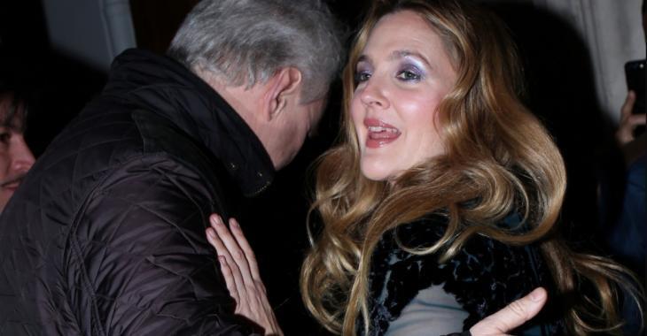 Drew Barrymore partage une photo pas coiffée, pas maquillée... Vous allez faire un saut!