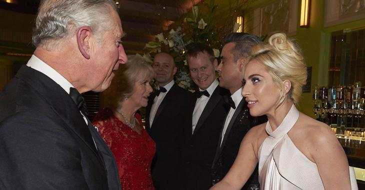 Des photos osées de Lady Gaga enflamment le web...