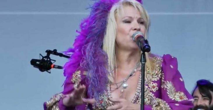 La chanteuse Lulu Hughes atteinte d'un grave cancer du sein
