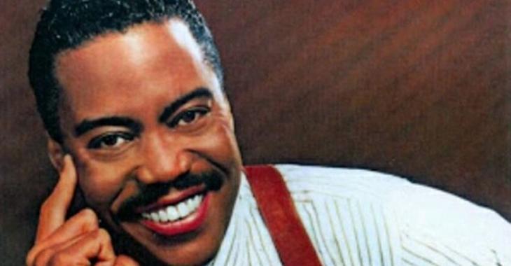Un célèbre chanteur est retrouvé mort dans sa voiture