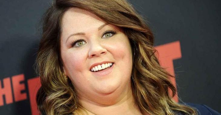 Melissa McCarthy a tellement perdu de poids qu'on jurerait qu'elle a fondu!