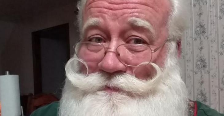 Un garçon malade meurt dans les bras du père Noël