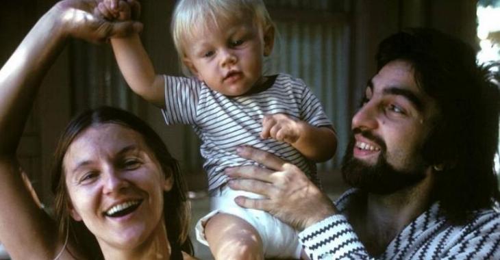 Une vieille photo de la mère de Leonardo DiCaprio enflamme le web!