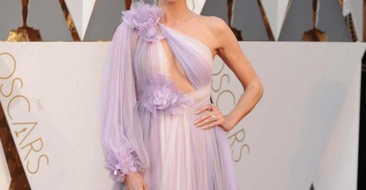 Cette star portait une robe qui ne faisait pas l'unanimité... Et vous, la porteriez-vous?