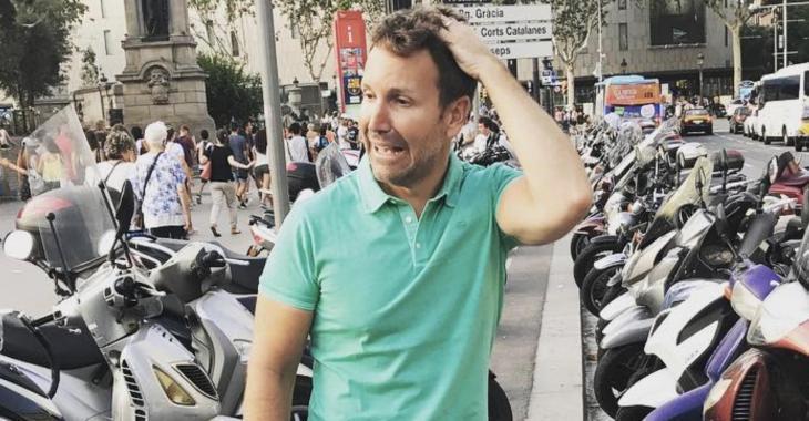 Une victime d'Éric Salvail sort de l'ombre et s'adresse aux médias