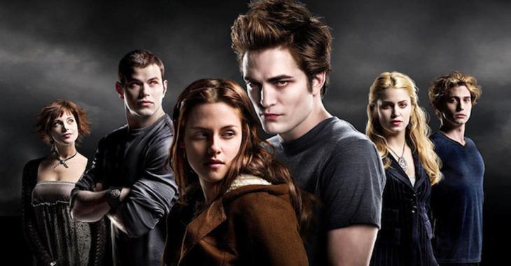 Une star de Twilight pourrait être en couple avec une chanteuse...
