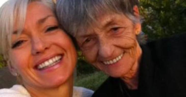 En deuil, Marie-Chantal Toupin rend un dernier hommage à sa maman