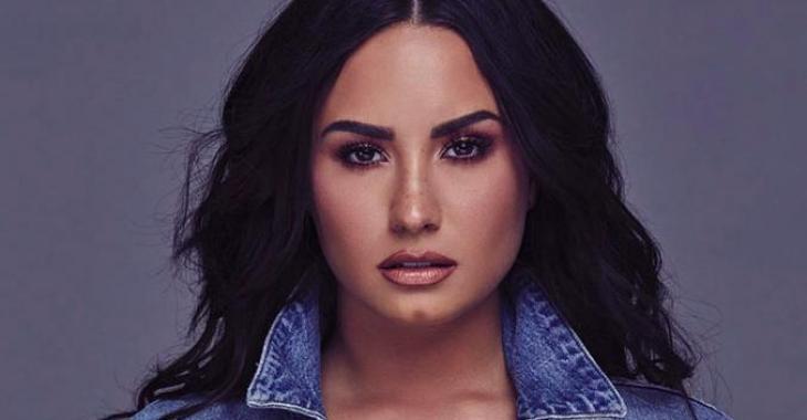 La chanteuse Demi Lovato retire tout son maquillage devant la caméra et le résultat parle de lui-même!