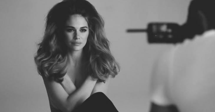 Maripier Morin publie une vidéo behind the scenes de son shooting photo les seins nus