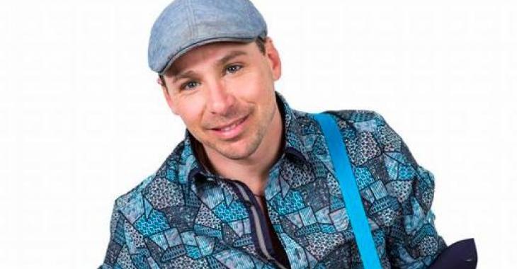 Le chanteur David Jalbert se fait sortir de force d'un vol d'avion