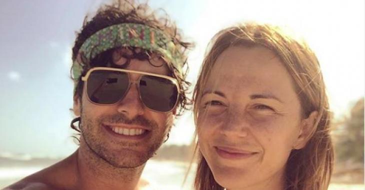 Alex Nevsky publie une photo adorable pour ses 2 ans de couple avec Vanessa Pilon