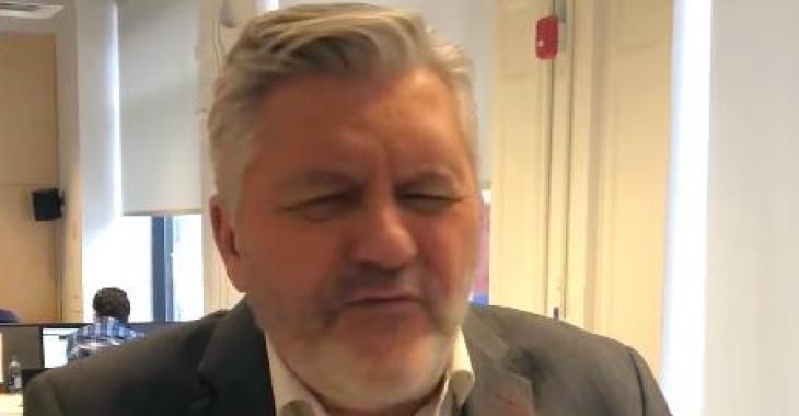 Richard Martineau bloqué sur Facebook suite à des propos jugés haineux contre les trans