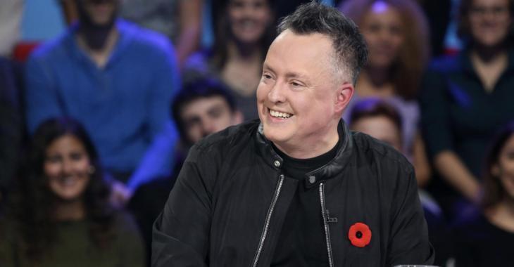 Mike Ward annonce qu'il va remettre 1000$ par semaine à un humoriste moins fortuné, pendant la crise