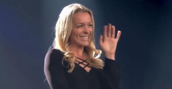 LA VOIX: Suzie Villeneuve confirme que c'est la production qui lui a demandé de se présenter
