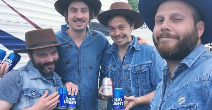 Bleu Jeans Bleu lance une nouvelle chanson virale sur le masque pour IGA