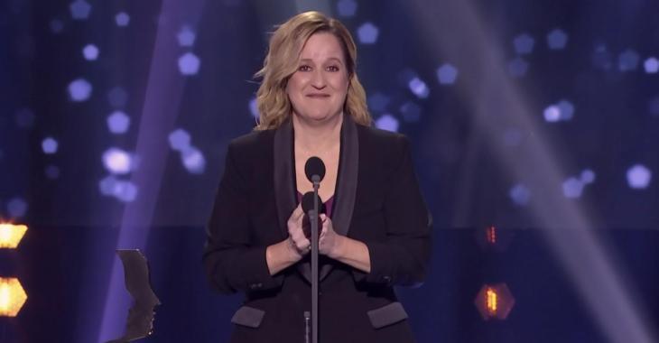 À VOIR: Élyse Marquis craque sur scène en recevant son Gémeaux dans un des moments les plus touchants du gala