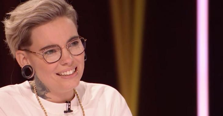 Roxane Bruneau émue par une surprise par ses « cocos » et Marie-Mai