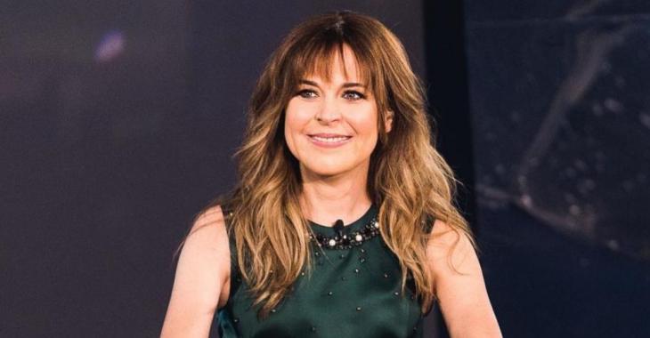 À VOIR : Julie Snyder reçoit 11 injections de Botox directement sur le plateau de son émission