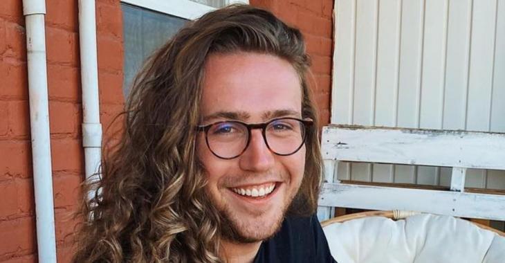 Mathieu Dufour brise l'internet avec une drôle de photo de lui en chandail transparent