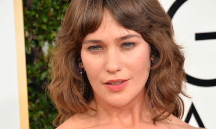 La tenue de cette actrice a fait jaser sur le tapis rouge des Golden Globes...